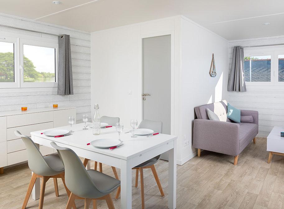 Pièce de vie - chalet en bois 50 m² habitable tout équipé